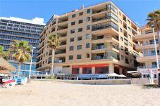 Apartment in Calpe / Calp - ACARIBEQ-1ºlínea Playa-Wifi y Garaje Gratis.